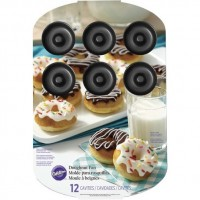 Donut Pan Medium 12 cavities by Wilton